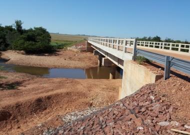 Mejoramiento de caminos vecinales - Paraguay